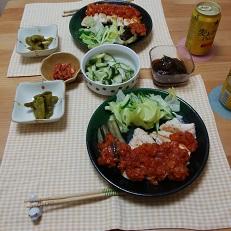 【夕飯】チキンステーキのトマトソースがけ&あま唐辛子の煮物 など